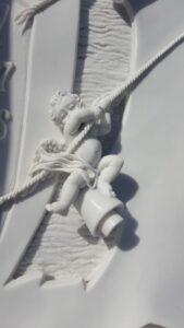Detalle-angel-tallado-Mármoles-Sánchez-Cazorla
