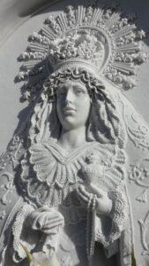 Virgen-tallada-Mármoles-Sánchez-Cazorla
