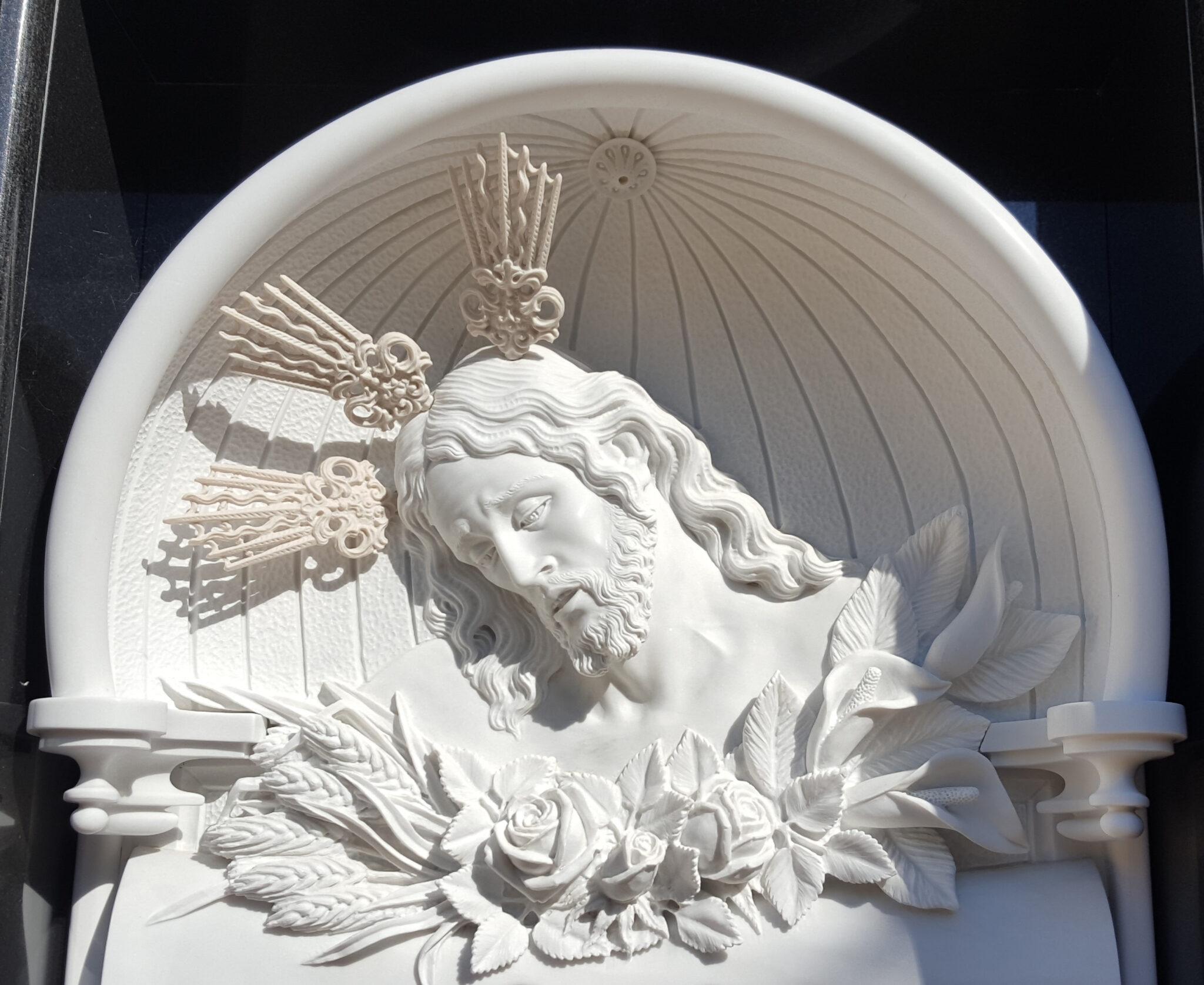 Cristo-tallado-Mármoles-Sánchez-Cazorla