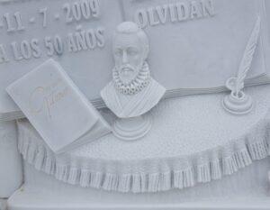 Detalle-lapida-poeta-Mármoles-Sánchez-Cazorla
