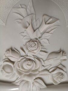 Detalle-rosas-talladas-Marmoles-Sanchez-Cazorla