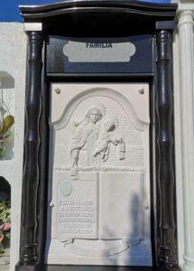 Lapida-tallada-Virgen-y-niño-Marmoles-Sanchez-Cazorla