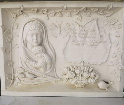 Lapida-niña-Mármoles-Sánchez-Cazorla