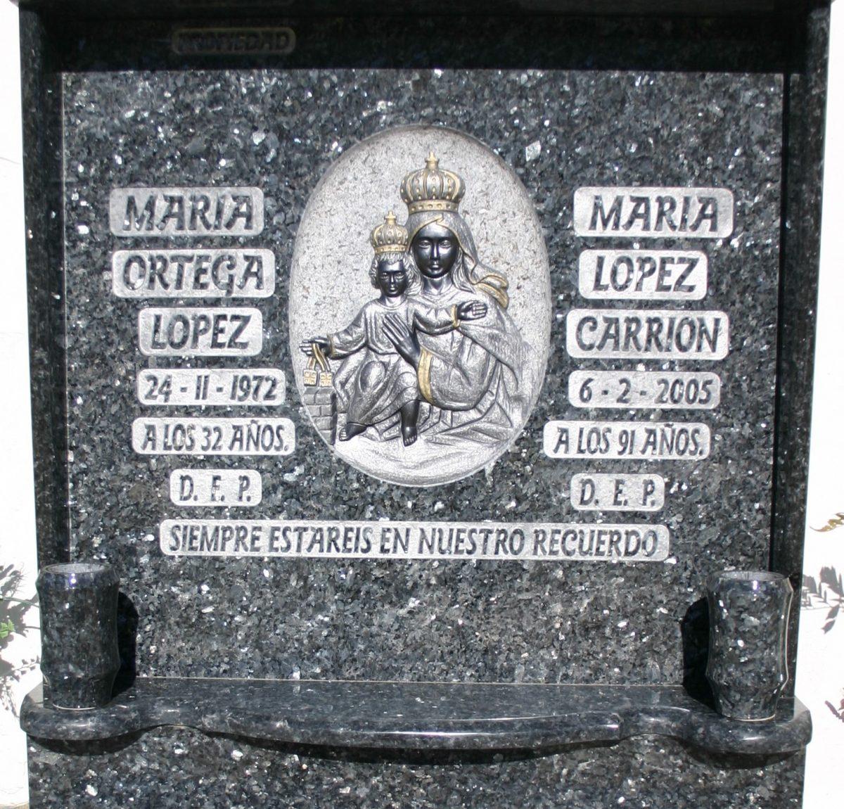 Placa-efecto-plata-Mármoles-Sánchez-Cazorla