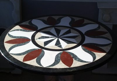 Mesa-decorativa-marmol-Mármoles-Sánchez-Cazorla